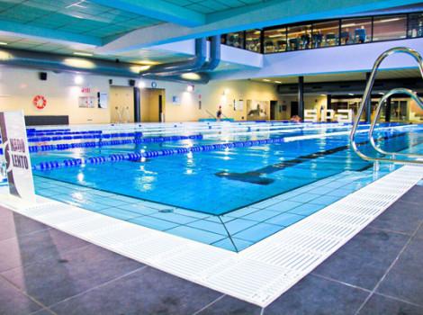 Centro deportivo supera entrepuentes for Gimnasio piscina sevilla