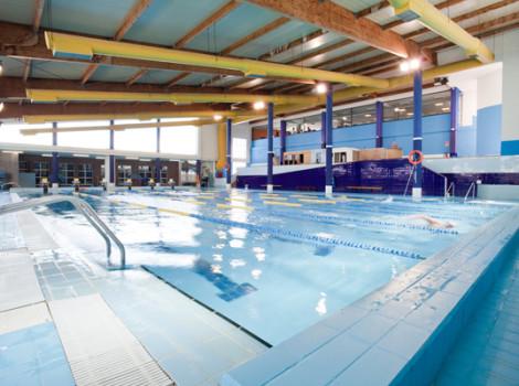 Centro de deporte y ocio otero for Piscinas palencia