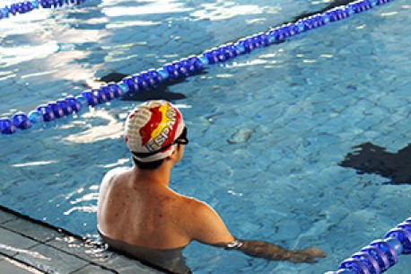 Reserva cursos nataci n complejo deportivo supera for Piscina de valdemoro